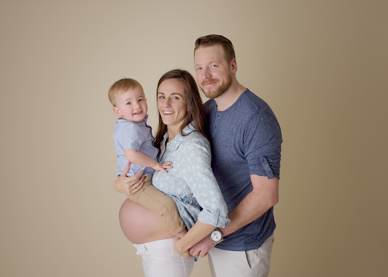 maternity-family-session